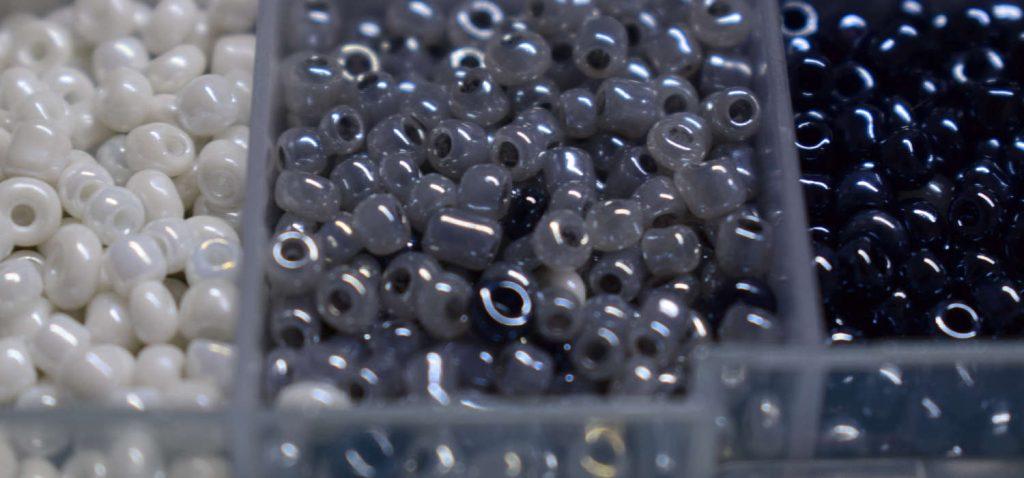 Materiales para abalorios o bisutaría.