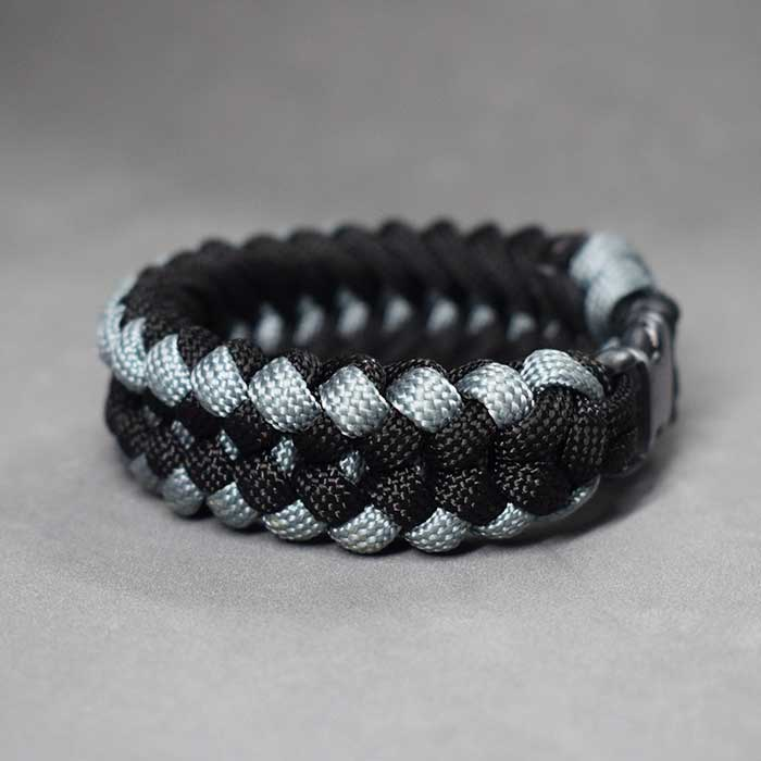 Cómo hacer un brazalete de paracord santificado - How to Make a Sanctified Paracord Bracelet